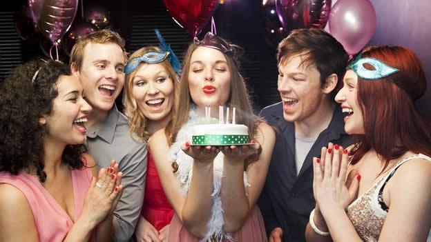 edad-cumpleanos-cumplir-anos-30-fiesta-festejo-adulto